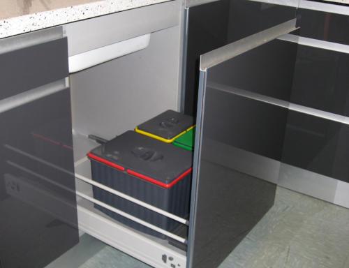 Clasificador de residuos puerta deslizante